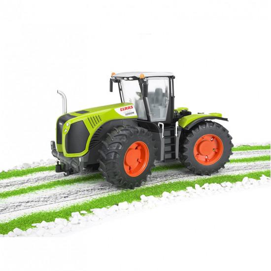 Bruder traktor Class Xerion